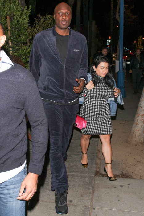 lamar-odom-rehab-dating-mystery-woman-restaurant-pics-9