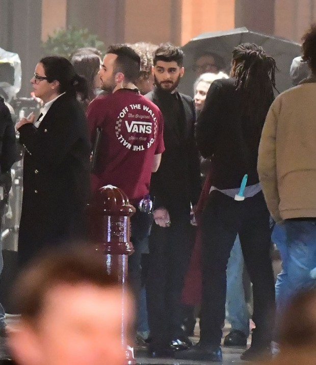 8 Jan 2017 - London  - uk  Zayn Malik pictured filming his new music video at St Pancras hotel where the Spice Girsl shot their first music Video   BYLINE MUST READ : XPOSUREPHOTOS.COM  ***UK CLIENTS - PICTURES CONTAINING CHILDREN PLEASE PIXELATE FACE PRIOR TO PUBLICATION ***  **UK CLIENTS MUST CALL PRIOR TO TV OR ONLINE USAGE PLEASE TELEPHONE   44 208 344 2007 **