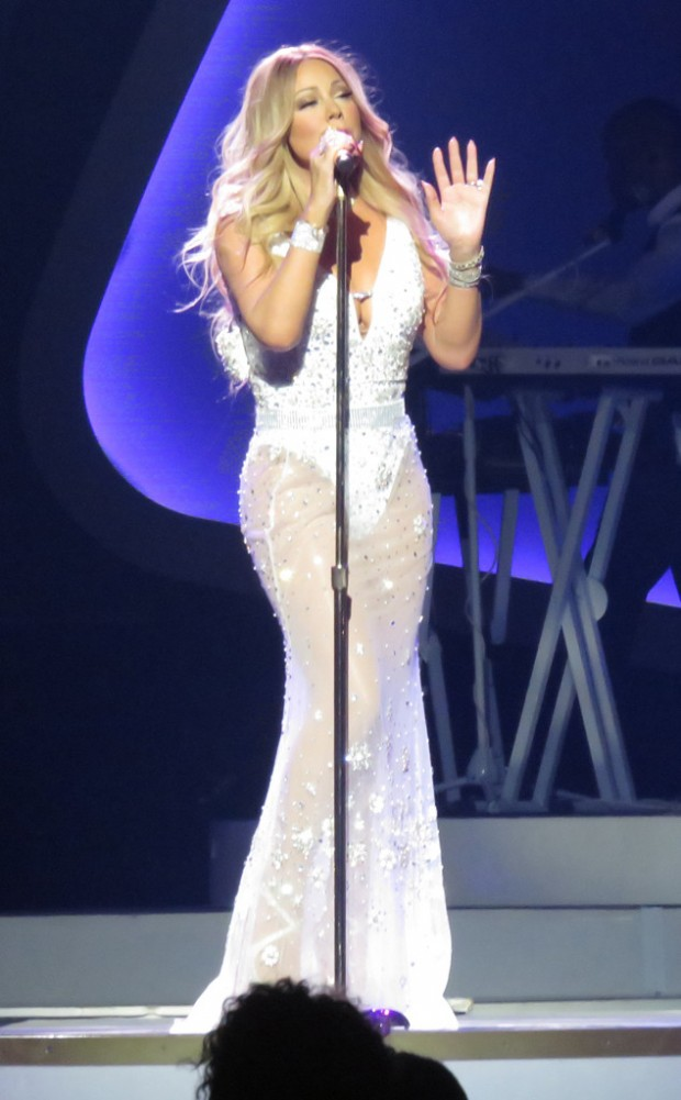 rs_634x1024-160829090600-634.Mariah-Carey-Vegas-JR-082916