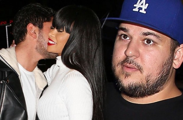 rob-kardashian-blac-chyna-ditches-engagement-ring-date-mystery-man-pics-pp-