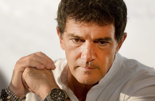 antonio-banderas-hospitalized-heart-crisis-clinic-switzerland-pp-