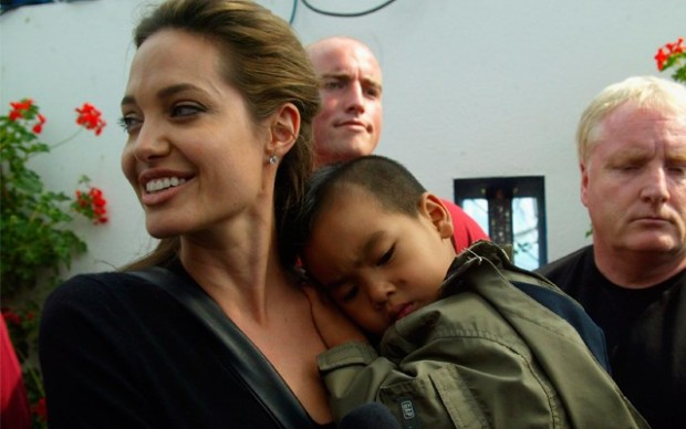angelina-jolie-adoption-row-maddox-pp