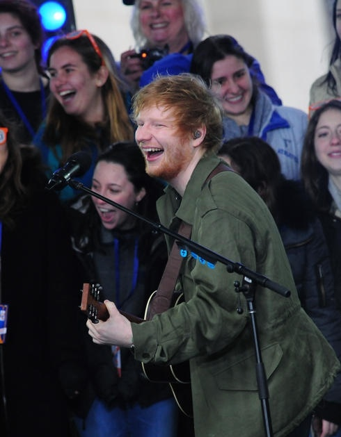 ed-sheeran-performing-on-nbcs_5607385