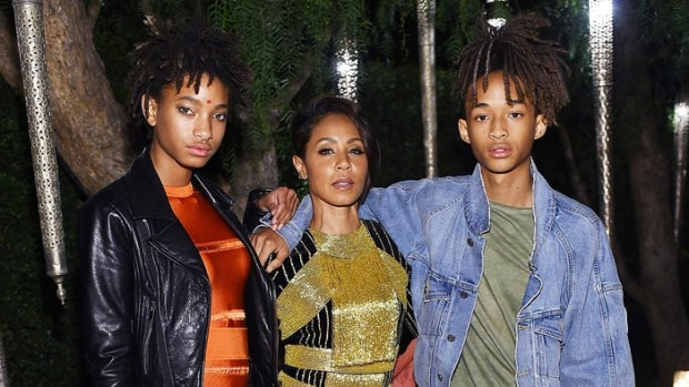 jada-pinkett-smith-willow-smith-jaden-smith-6024b213-5cf5-4ab1-8afc-e97d6133ad2e