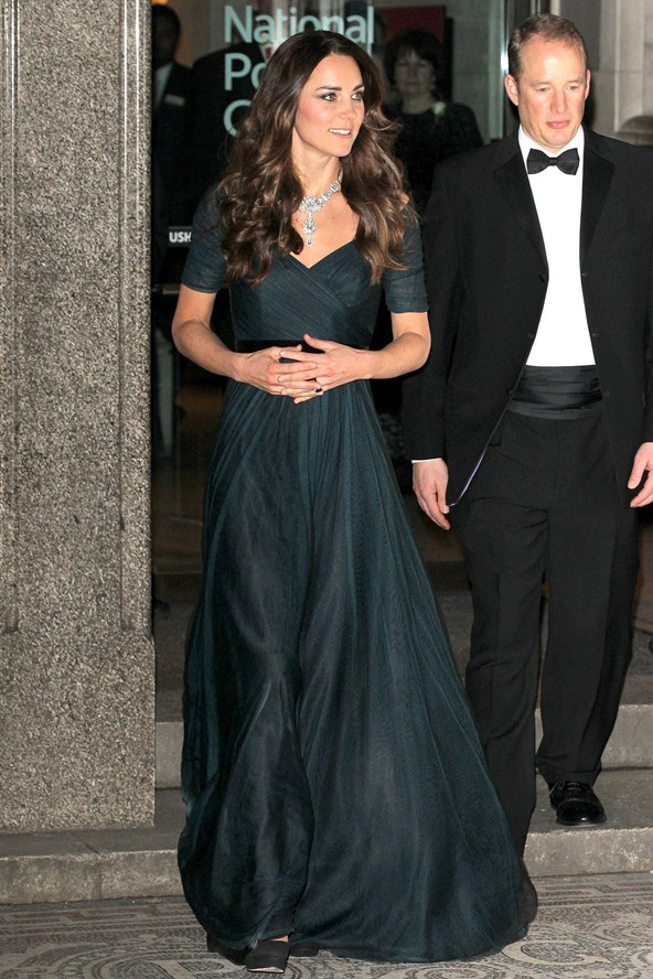 kate-middleton_glamour_12feb14_rex_b_592x888