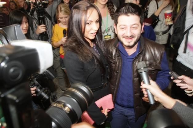 Михаил Галустян с женой  на премьере фильма Д