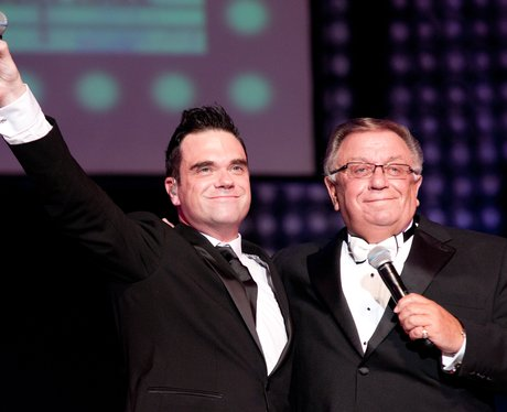 robbie-williams-and-father-pete-conway-1349192272-view-0